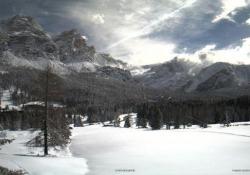 Sembra inverno, ma è primavera: in Alto Adige è tornata la neve Sudtirolo imbiancato dopo la neve caduta il 28 aprile - CorriereTV