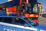 Enna, ruota priva di battistrada: bloccato pullman con 50 passeggeri per Catania