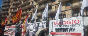 """Palermo, sit in e sciopero della fame degli ex sportellisti in via Trinacria: """"Festa del pane negato"""""""