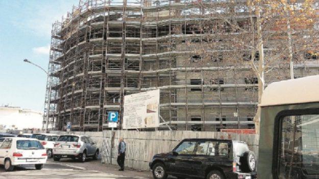 rifiuti, Angelo Romano, Michele Iraci, Caltanissetta, Cronaca