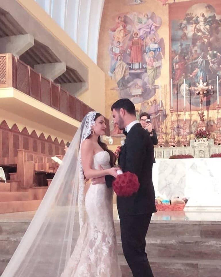 Vestiti Da Sposa Cinesi.Clarissa Marchese Attacca Chi Critica Il Suo Abito Da Sposa Voi