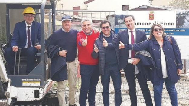 Via San Pietro, Dante Ferrari, Giovanni Contino, Maurizio Dipietro, Enna, Cronaca