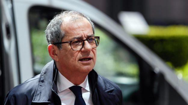 Jean-Claude Juncker, unione europea, Giovanni Tria, Sicilia, Politica