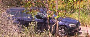 La vettura di Antonio Di Liberto col vetro frantumato dai proiettili