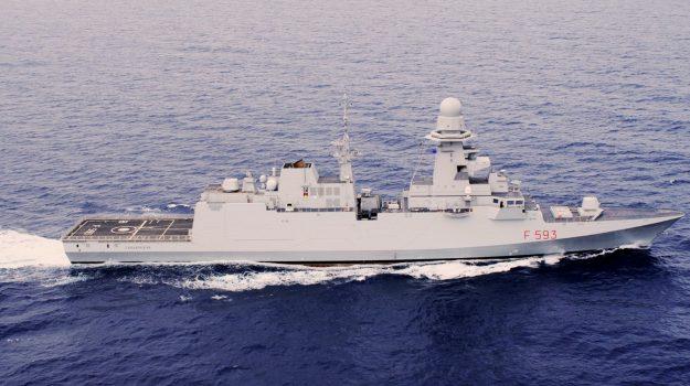 marina militare, porti, unità navali, Sicilia, Società