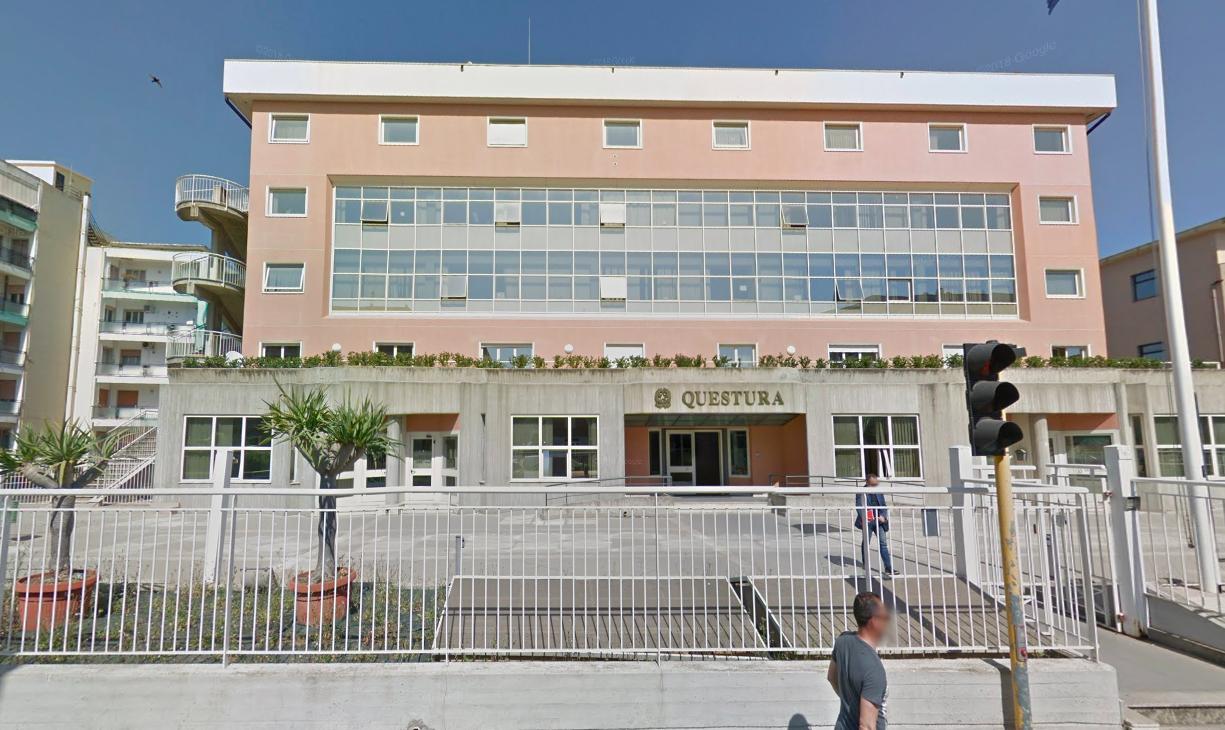 Siracusa, irregolare chiede rinnovo permesso soggiorno ...