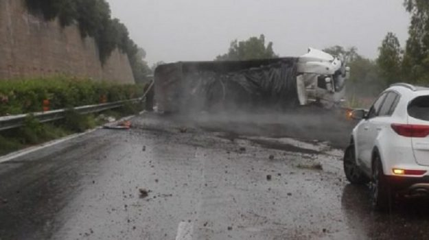 a18, incidente, Messina-Catania, Catania, Messina, Cronaca