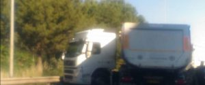 Incidente a Palermo, testa coda di un tir in via Regione Siciliana: traffico in tilt