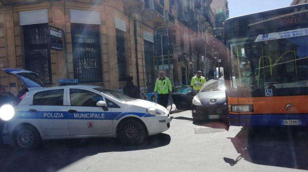 bus, incidente, malore, Palermo, Cronaca