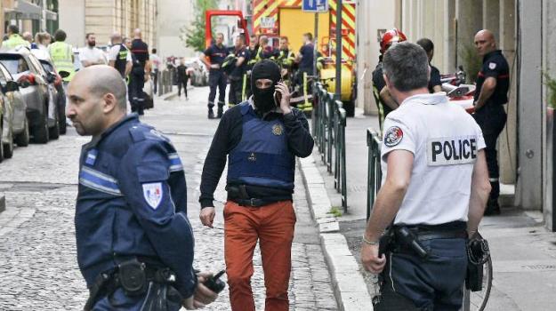 Attentato Lione, esplosione Lione, terrorismo, Sicilia, Mondo