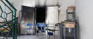 Paura per un incendio in una scuola a Mazzarino, evacuati 700 alunni
