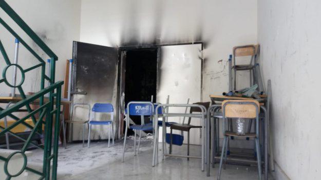 Incendio Mazzarino, Caltanissetta, Cronaca