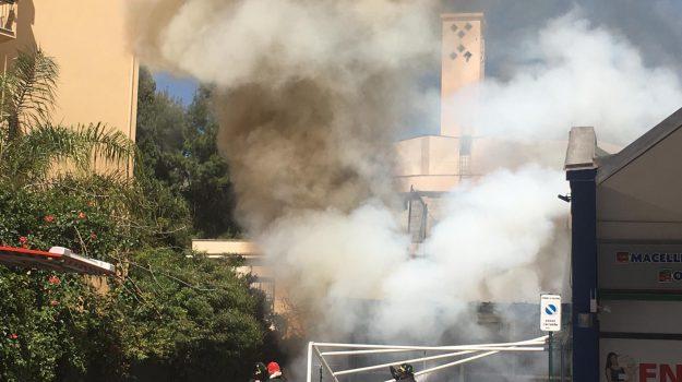 Gibilmanna, incendio, via Restivo, Palermo, Cronaca