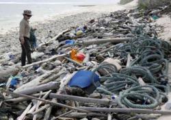 Le spiagge delle Isole Cocos invase da 414 milioni di pezzi di plastica Erano considerate «l'ultimo paradiso incontaminato dell'Australia» - CorriereTV