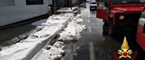 Violento nubifragio in provincia di Catania, strade allagate e auto in panne