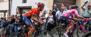 Giro d'Italia, Zakarin vince la tredicesima tappa: Nibali-Roglic arrivano insieme