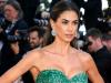 Melissa Satta incanta tutti a Cannes: lo spacco del suo vestito sul tappeto rosso è mozzafiato