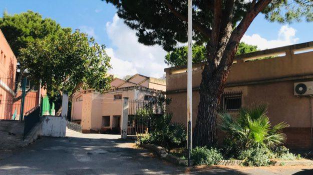 maestra sospesa, maltrattamenti a scuola, termini imerese, Palermo, Cronaca