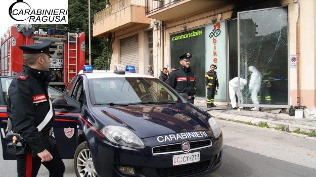 bike store, incendio, negozio, Ragusa, Cronaca