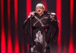 Tutte le stecche di Madonna all'Eurovision: ecco il confronto con la canzone originale  La cantante stona, ma il video originale viene «corretto» con l'autotune prima di venire caricato su Youtube  - Corriere Tv