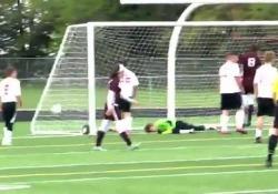 Usa, arriva il gol «con il sedere» La rete di Caleb Dokter su un'azione di calcio d'angolo - Dalla Rete