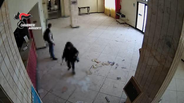 raid vandalici, terme di sciacca, vandalismo, Agrigento, Cronaca