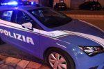 Ruba in un appartamento a Caltanissetta: gli agenti lo trovano dentro un armadio e lo arrestano