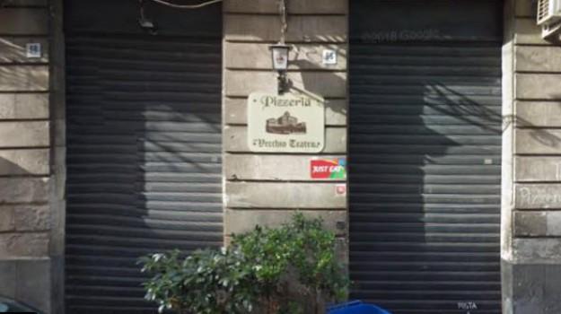 acireale, incendio, vigili del fuoco, Catania, Cronaca