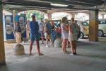 La strumentazione va in tilt e i turisti rimangono bloccati all'interno di un parcheggio a Siracusa