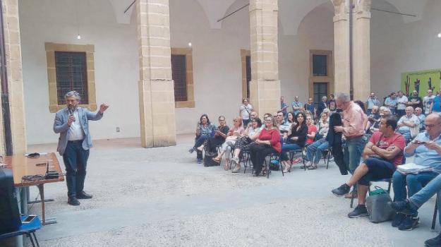 centro storico, isola pedonale, Roberto Gambino, Caltanissetta, Politica