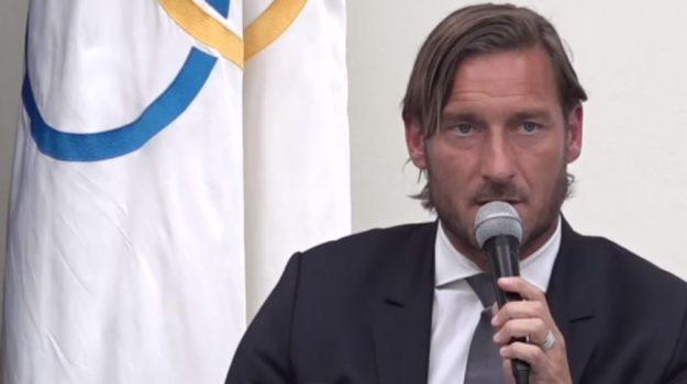 dimissioni Totti, Totti lascia la Roma, Francesco Totti, Sicilia, Calcio