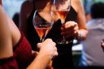 """Caltanissetta, festa di compleanno in """"zona rossa"""" finisce a colpi di bottiglie tra due amiche"""