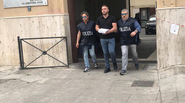 arresti, carini, mafia, pizzo, Palermo, Cronaca