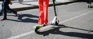 Monopattini elettrici come le bici, via libera in tutta Italia: le regole