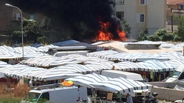 bombole gas, esplosione Gela, Mercato, Caltanissetta, Cronaca