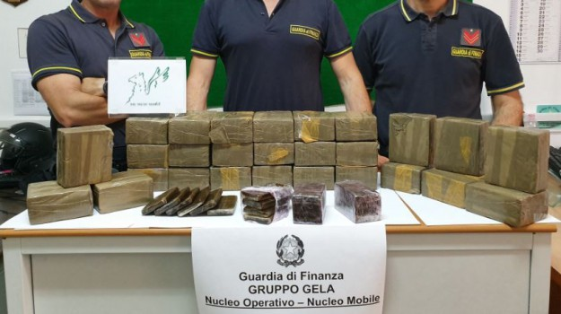 butera, droga, hashish, Palermo, Cronaca