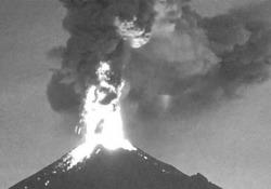 Il vulcano Popocatépetl ha iniziato di nuovo a sputare Preoccupazione tra i residenti per un'eruzione imminente - CorriereTV