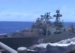 La (quasi) collisione tra una nave da guerra americana e una russa nel Mar Cinese Orientale Un cacciatorpediniere russo è arrivato pericolosamente vicino a un incrociatore americano - CorriereTV