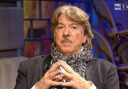 Marco Columbro, quando raccontò a Costanzo i giorni del coma Il conduttore e attore di teatro: «Non credo alla morte, credo nella reincarnazione» - CorriereTV