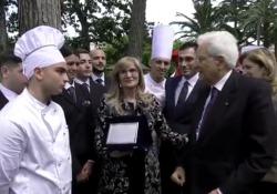 Mattarella saluta i ragazzi degli Istituti Alberghieri  - CorriereTV
