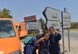 Overland: il progetto umanitario L'incarico, ricevuto dal ministero italiano degli Esteri, era di sensibilizzare le popolazioni africane sui rischi dell'emigrazione - CorriereTV