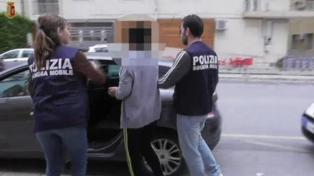 abusi minori, prostituzione, Ragusa, Cronaca