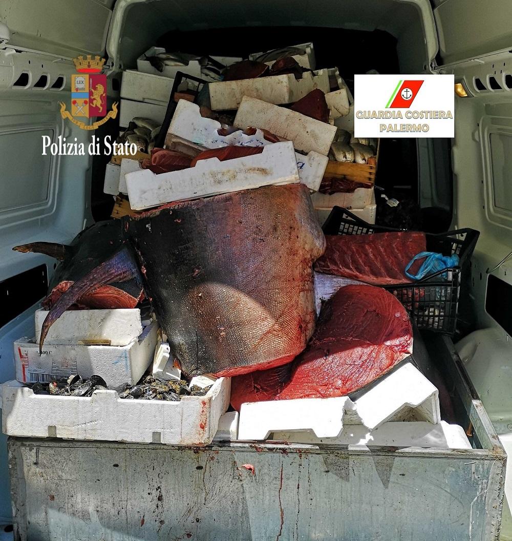 338e373d43112c Palermo, sequestrata una tonnellata di pesce al mercato di Ballarò ...