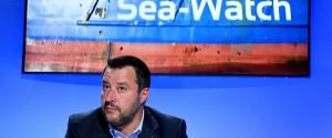 "Sea Watch, l'Ue: ""Gli Stati trovino una soluzione"". Salvini: ""Li mandino in Germania o in Olanda"""