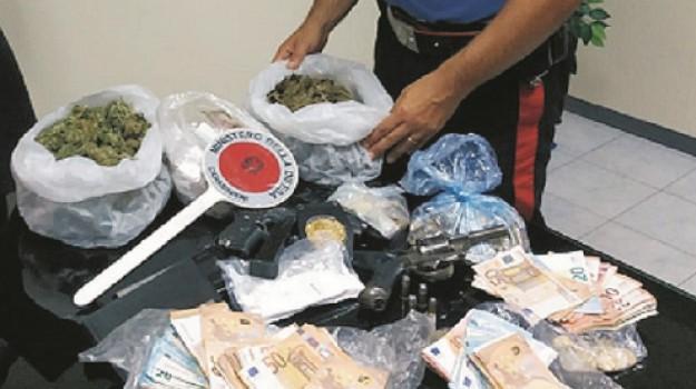 armi, arresto, droga, Siracusa, Mario Cacciatore, Siracusa, Cronaca