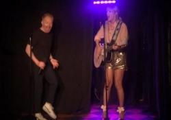 Taylor Swift, show a sorpresa in un locale di New York La popstar si esibisce sul palco dello Stonewall Inn - CorriereTV