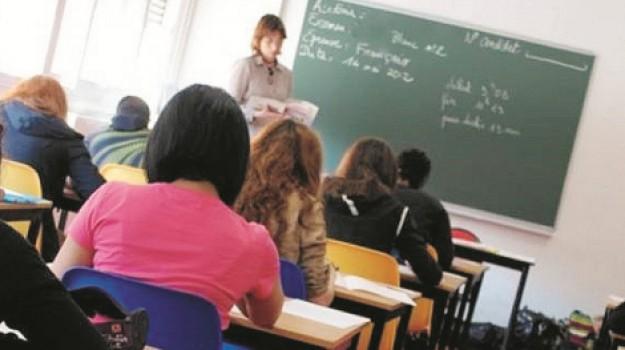 insegnanti, trapani, trasferimenti, Trapani, Economia