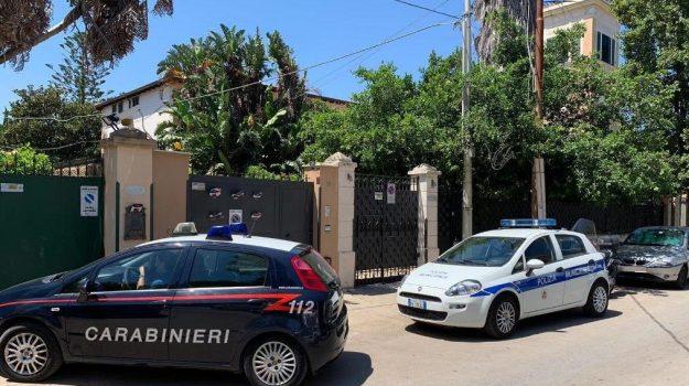 mondello, reddito di cittadinanza, Palermo, Cronaca