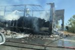 Paura sulla Palermo-Catania, un mezzo pesante va a fuoco: traffico in tilt