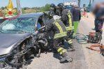 Siracusa, auto si schianta contro il guard rail: un ferito